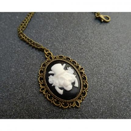 Collier western gothique Halloween.