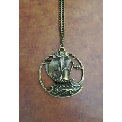Collier navire, pirate.